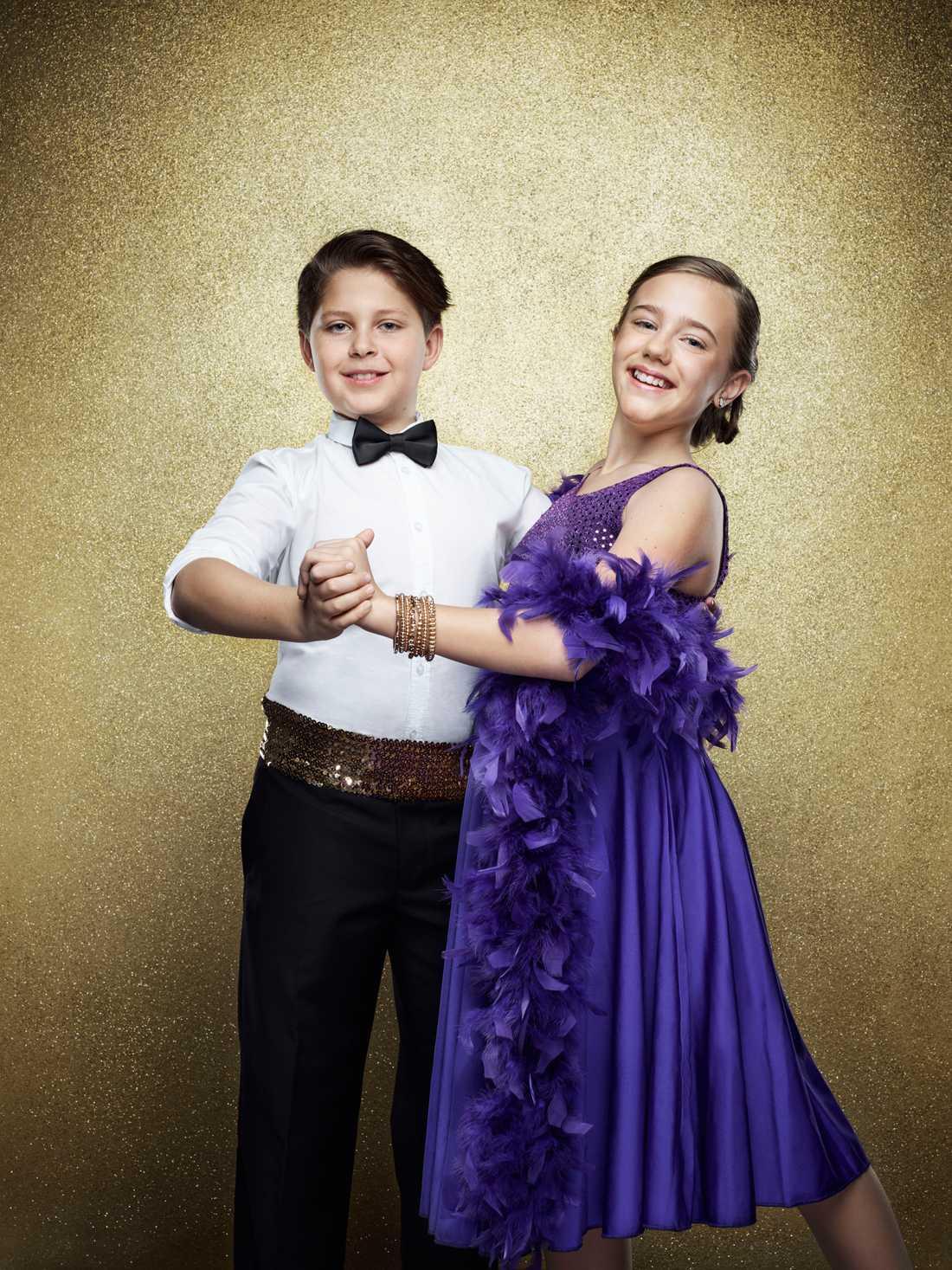 Ida Hedlund Stenmarck, 11 år. Martin Stenmarcks och Hanna Hedlunds dotter och dansar med Josef Hatem Lindkvist.