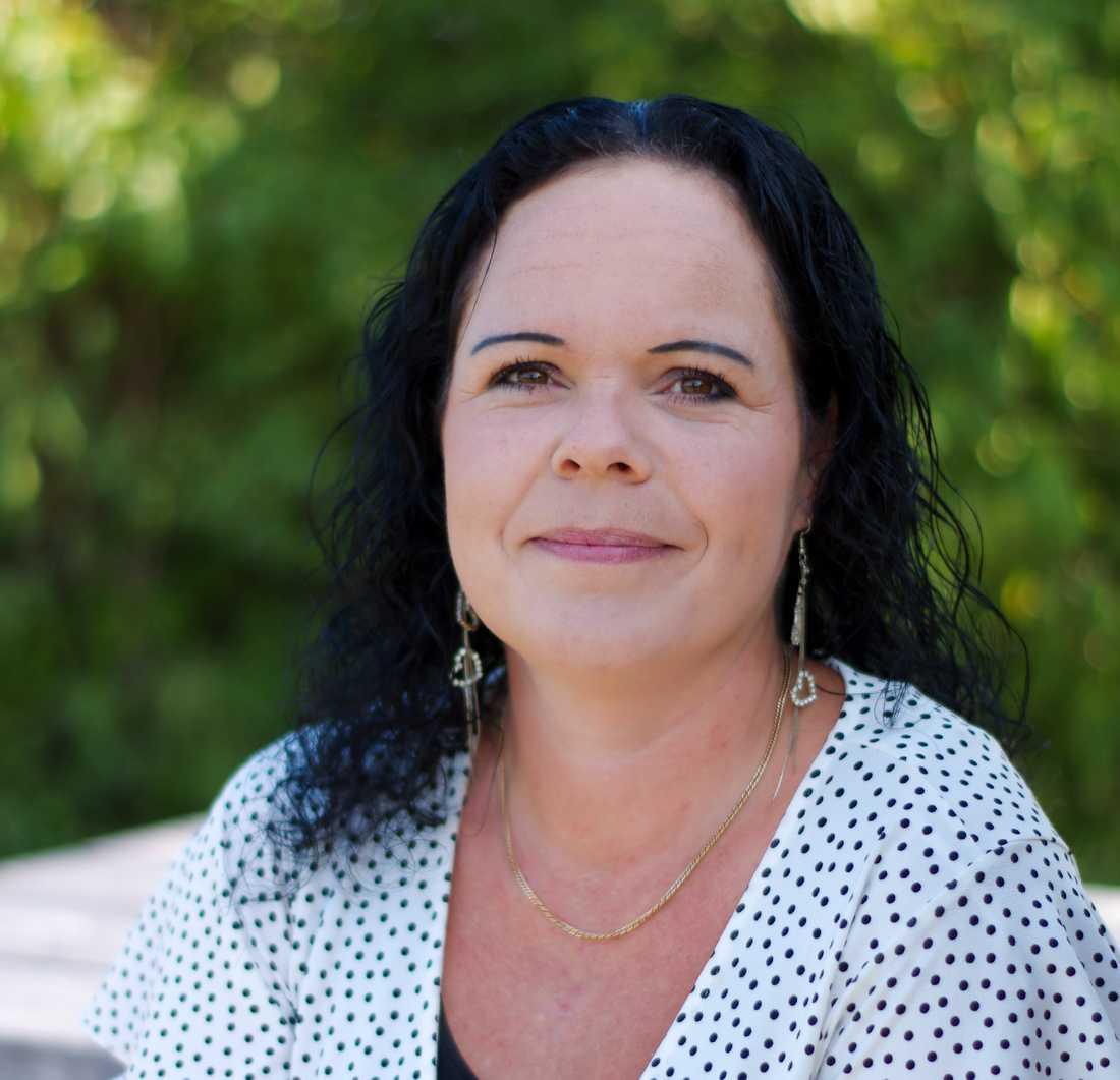 Kommunalrådet Marie Pettersson (S) har blivit överfallen i sitt hem i Älvkarleby.