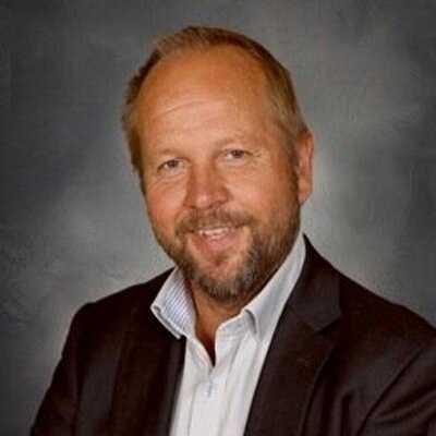 Rektorn Kaj Majuri har utmanat eleverna med mobilfria dagar mot en heldag på Gröna Lund.