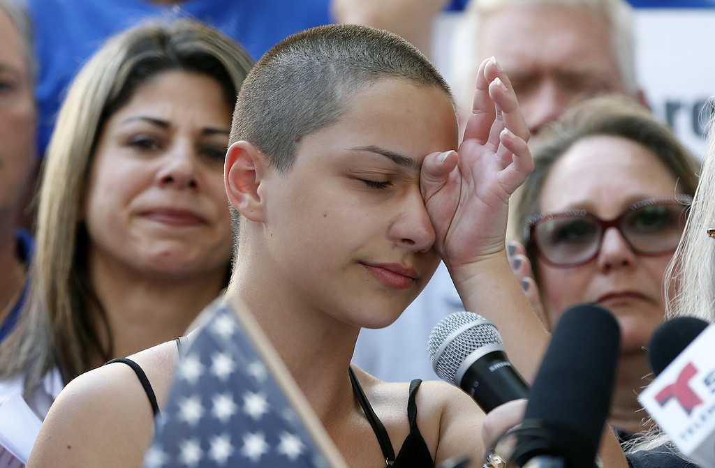 Emma Gonzalez, 17, en av eleverna som vände sig till politikerna.
