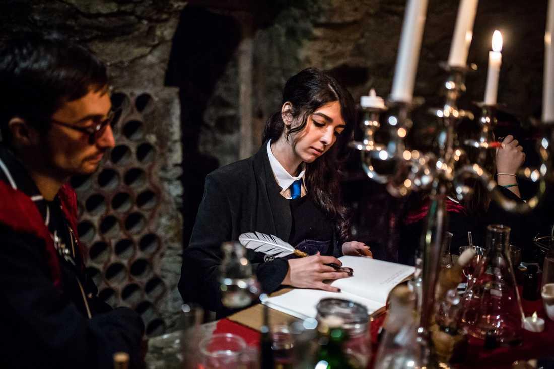 Här kan vem som helst lära sig om allt från alkemi och teori till rituell magi.
