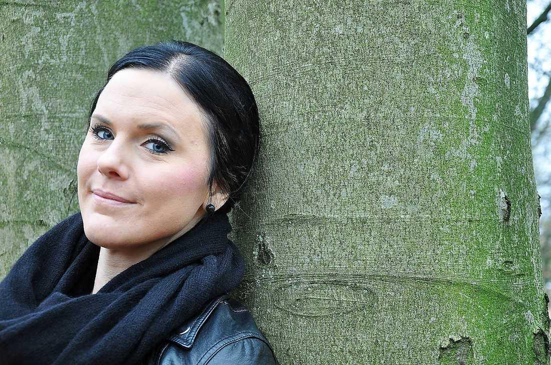 Träffade sin räddande ängel Kristin Olsson, 30, drabbades av akut myeloisk leukemi och till sist var det bara en stamcellstransplantation som skulle kunna rädda hennes liv. Hennes bror passade inte, men i det internationella benmärgsregistret fanns en perfekt matchning. Tyskan Verena Hanneken, 25, donerade sina stamceller och i dag är hon och Kristin vänner.