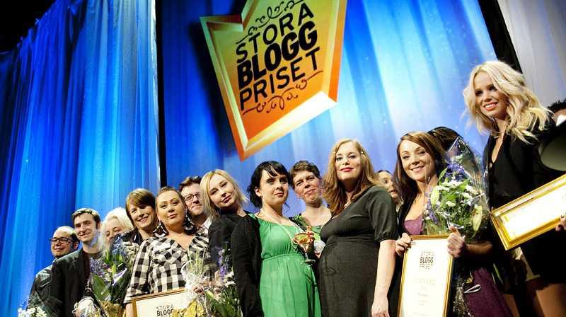 Belönades Över 40 000 läsare röstade fram årets vinnare av Stora Bloggpriset. I går samlades bloggarna på Nalen i Stockholm och vinnarna belönades med diplom och blommor.