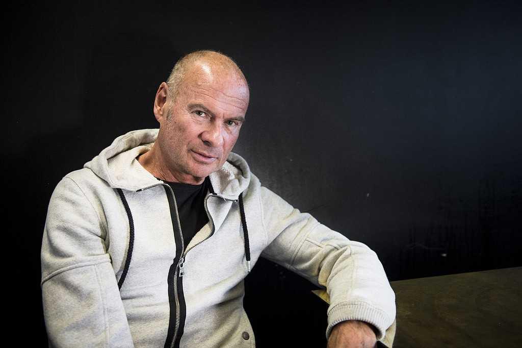 Lasse Holm.