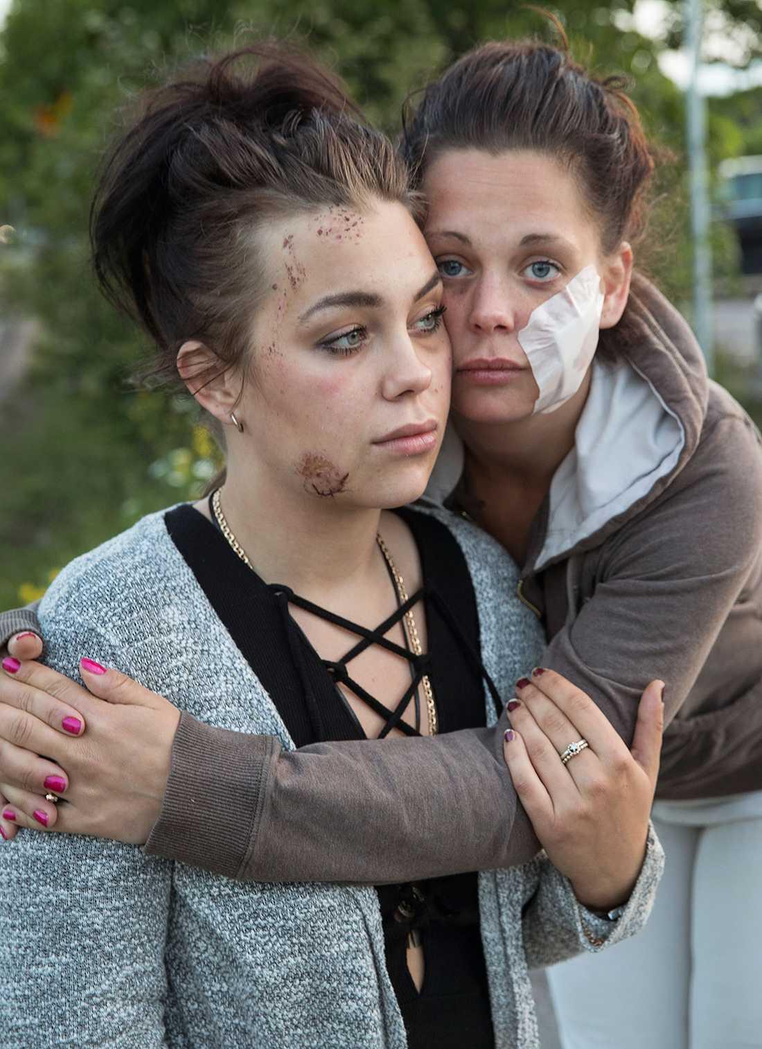"""""""Det var en millimeter från att vi blev ihjälslagna. Vi är lyckligt lottade som lever"""", säger Danielle Siljebäck."""