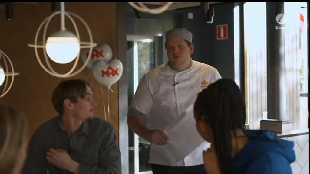 """Hamburgerkedjans logotyper är tydligt utplacerade i TV4:s """"Idol""""-sändning."""