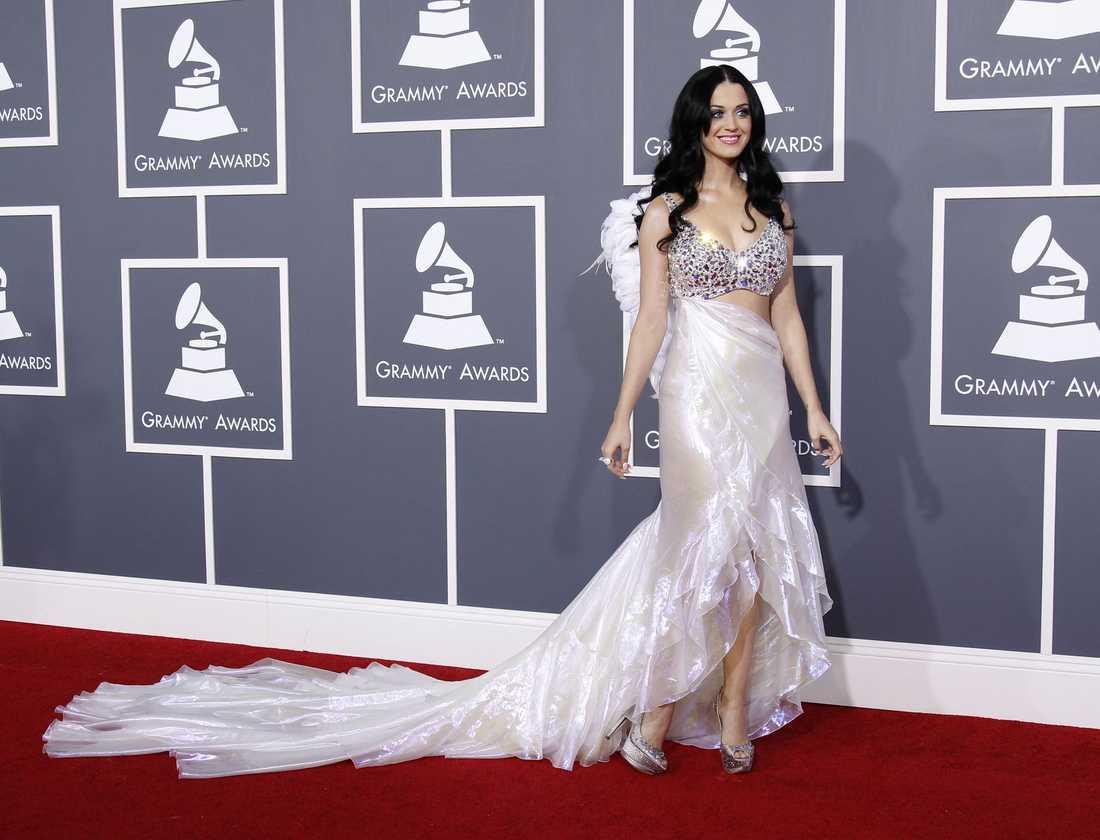 Katy Perry var en ängel klädd i Armani.