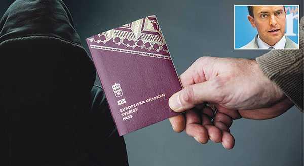 Att 63 628 pass anmäldes som som borttappade eller stulna under förra året är ett orimligt stort antal, skriver Tomas Tobé.