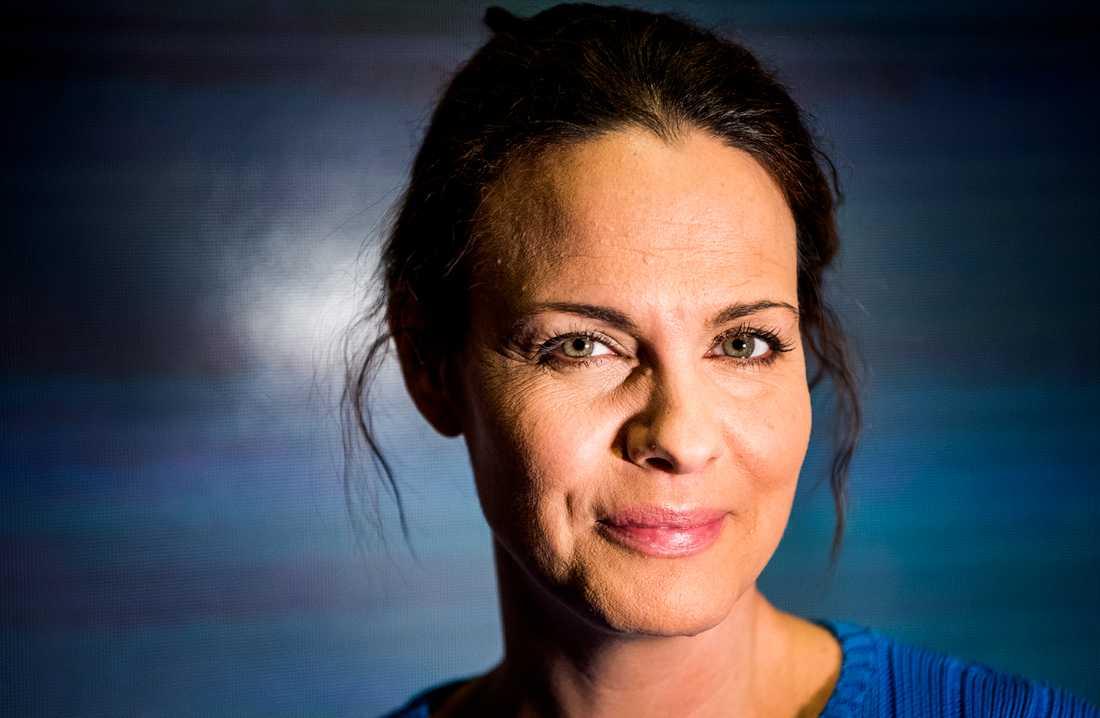 Suzanne Sjögren är numera anställd på Viaplay.