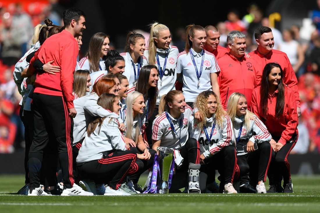 Manchester United firar uppflyttningen till Premier League i maj 2019