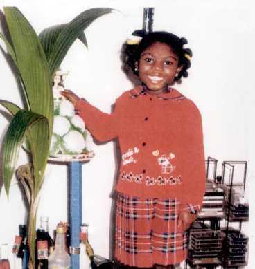 Torterad till döds Victoria, 8, hittades död i en tunna.