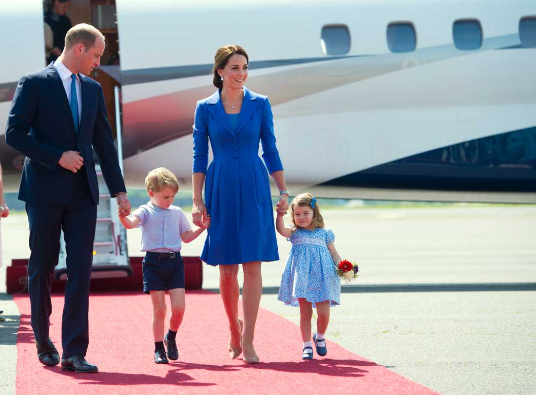 Prinsparet tillsammans med barnen George and Charlotte.