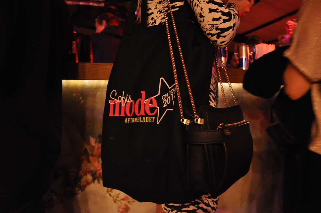 De 300 första gästerna fick en välfylld goodiebag med sig hem.