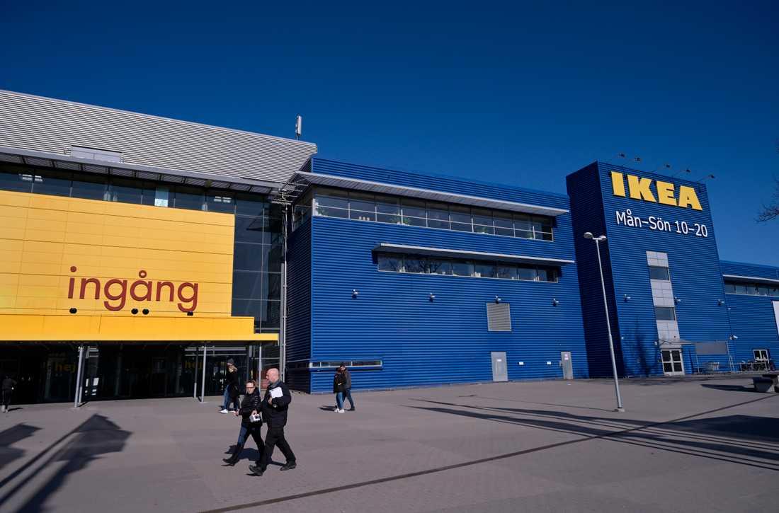 """""""På grund av covid-19 har vi haft färre besök i våra varuhus jämfört med före pandemin"""", säger Jonas Carlehed, hållbarhetschef på Ikea Sverige."""