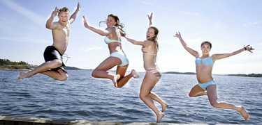 Läge för ett dopp Midsommar, vad passar väl då bättre än att ta ett svalkande dopp?
