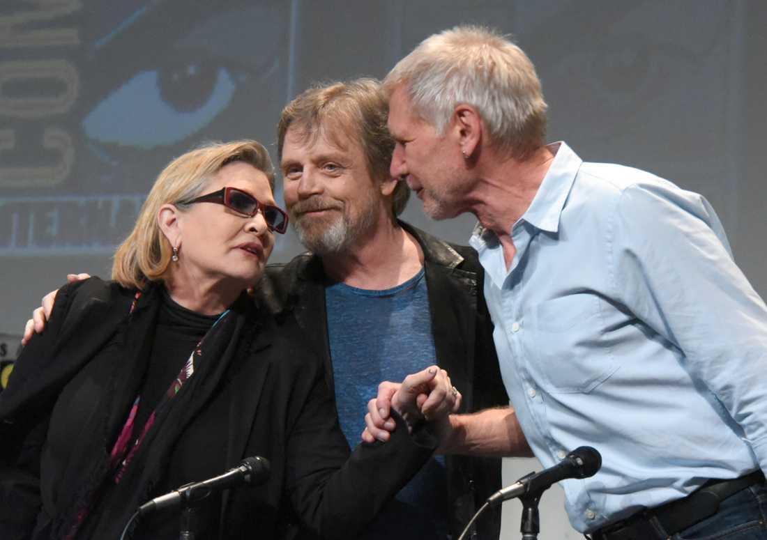 Carrie Fisher, Mark Hamill och Harrison Ford presenterar nya Star Wars 2015.