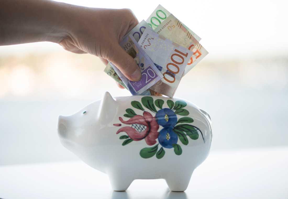 Att spara hela barnbidraget kan bli till över en halv miljon kronor.