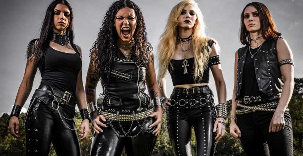 Man vill kanske inte möta kvartetten Crypta i en mörk gränd, men definitivt på en festival i en pandemifri tillvaro.
