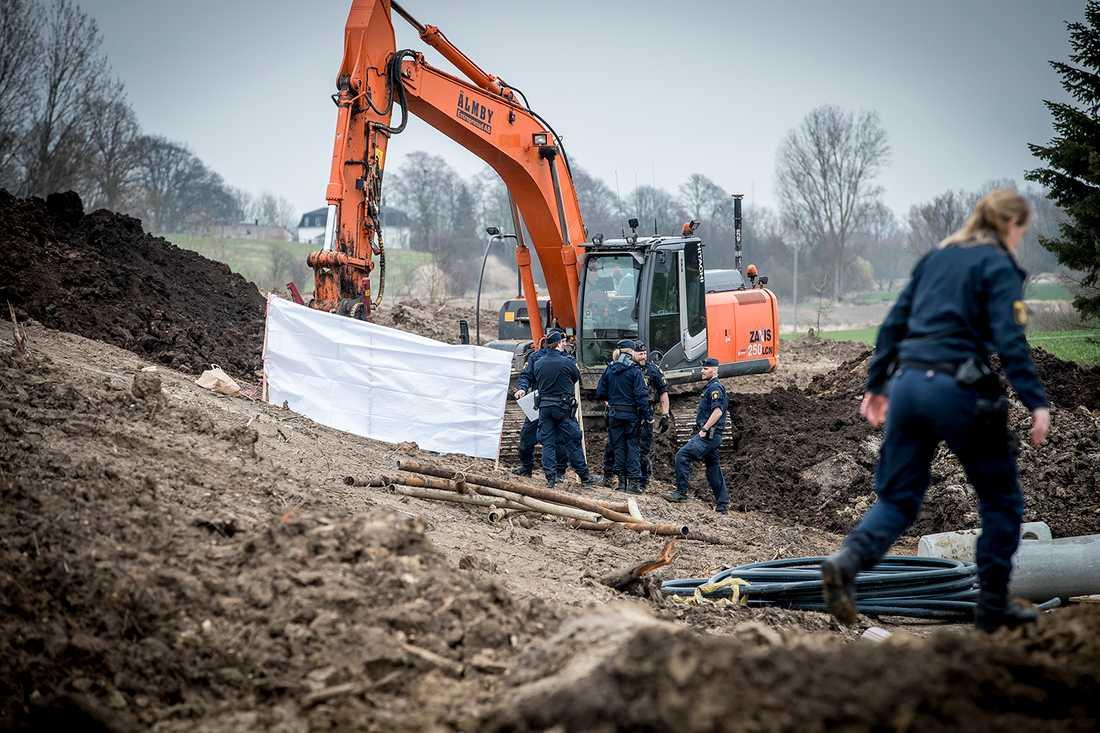 I april i år gjorde en grävmaskinist på ett bygge i Nordanå i Staffanstorp ett fasanfullt fynd. I marken låg en huvudlös kvinnokropp gömd.