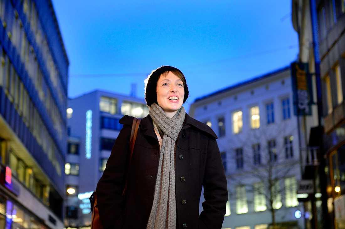 Ida Tolgensbakk, forskare vid Oslo universitet, skriver en doktorsavhandling om hur svenska ungdomar behandlas i vårt grannland.