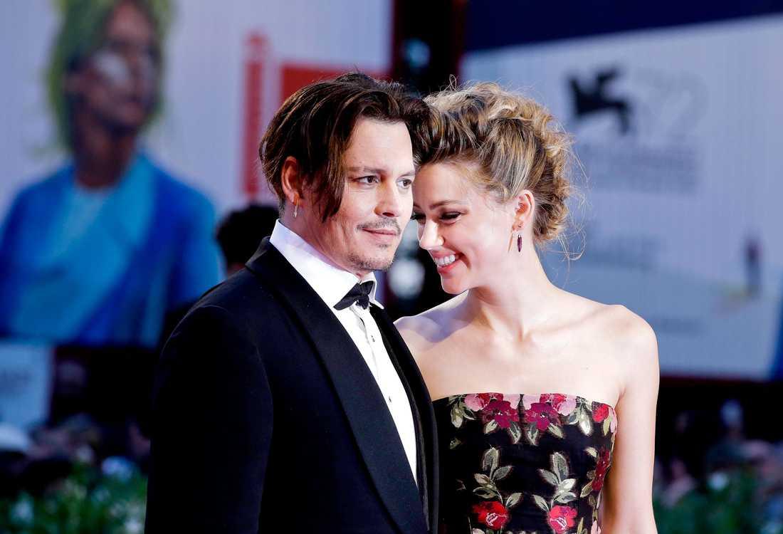 Johnny Depps och Amber Heards frånvaro från offentligheten fick skilsmässorykten att börja florera.