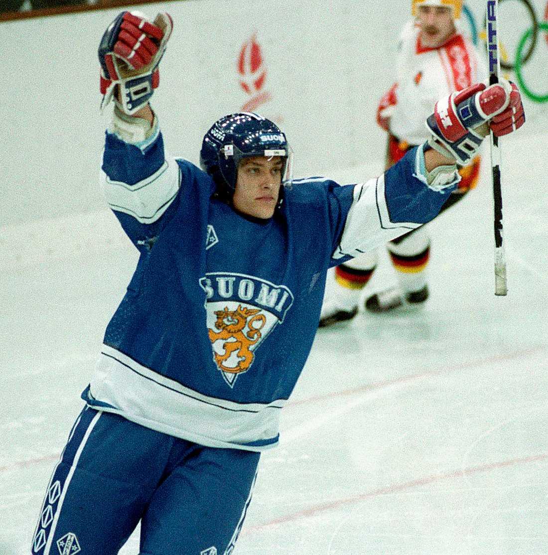 Selänne i OS 1992, ALBERTVILLE 8 matcher, 7 mål + 4 assist = 11 poäng. Finlands placering: SJUA