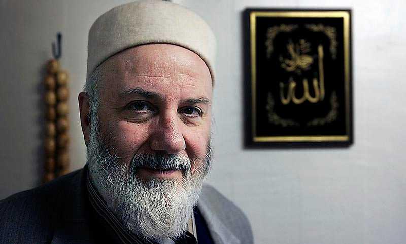 Imamen Abd al Haqq Kielan i Eskilstuna är värd allt stöd för sitt arbete med att upplysa ungdomar om Islam och få bort dem från extremism, skriver Jan Guillou.