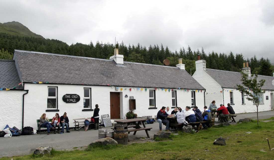The Old Forge ligger synnerligen naturskönt i de västra skotska högländerna.