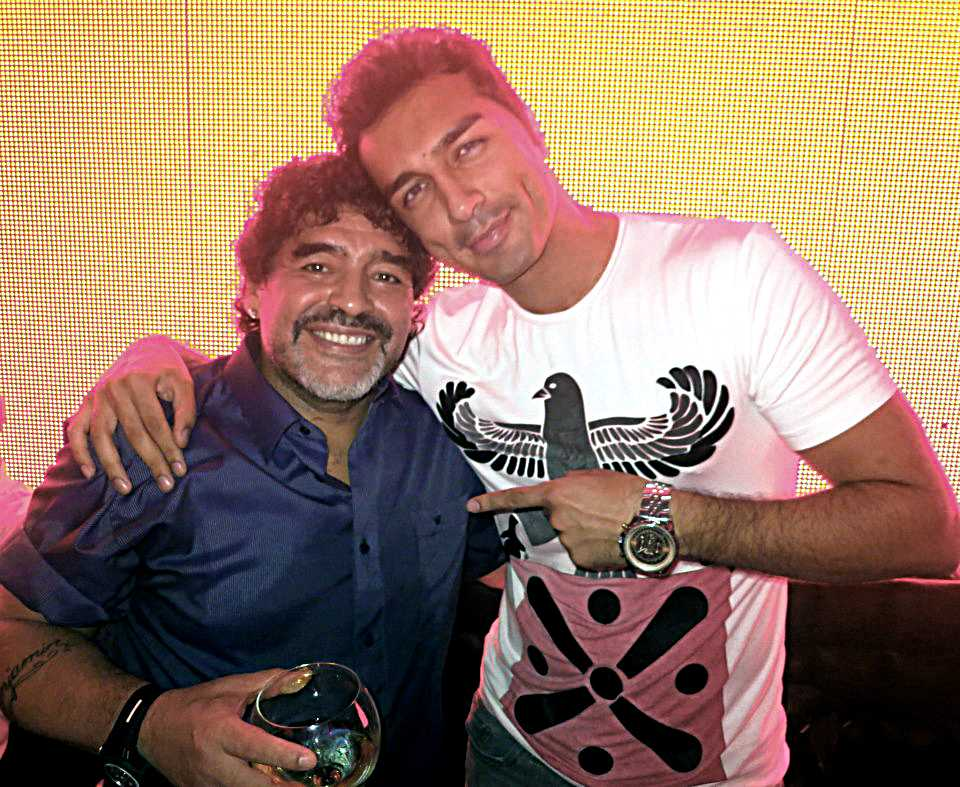 Farzan Athari och Diego Maradona.