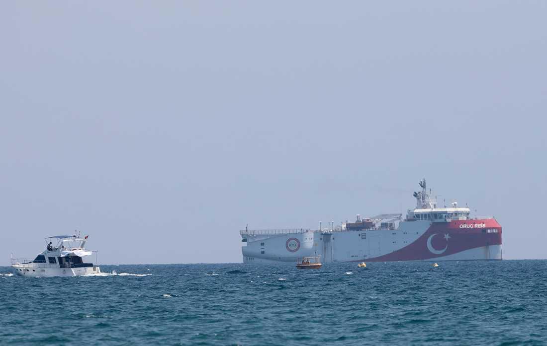 Det turkiska forskningsfartyget Oruc Reis utforskade Medelhavet i juli. Arkivbild.