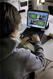 SPELKRIGET Spelbolaget Betsson vill anordna poker på nätet under samma förutsättningar som Svenska Spel.