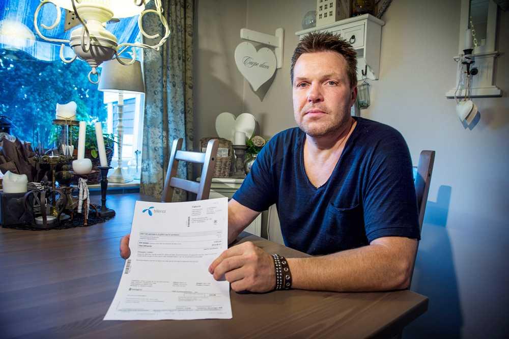 Jimmy Vesterberg tvingades betala sin döda mammas telefonräkning för hela det resterande året.