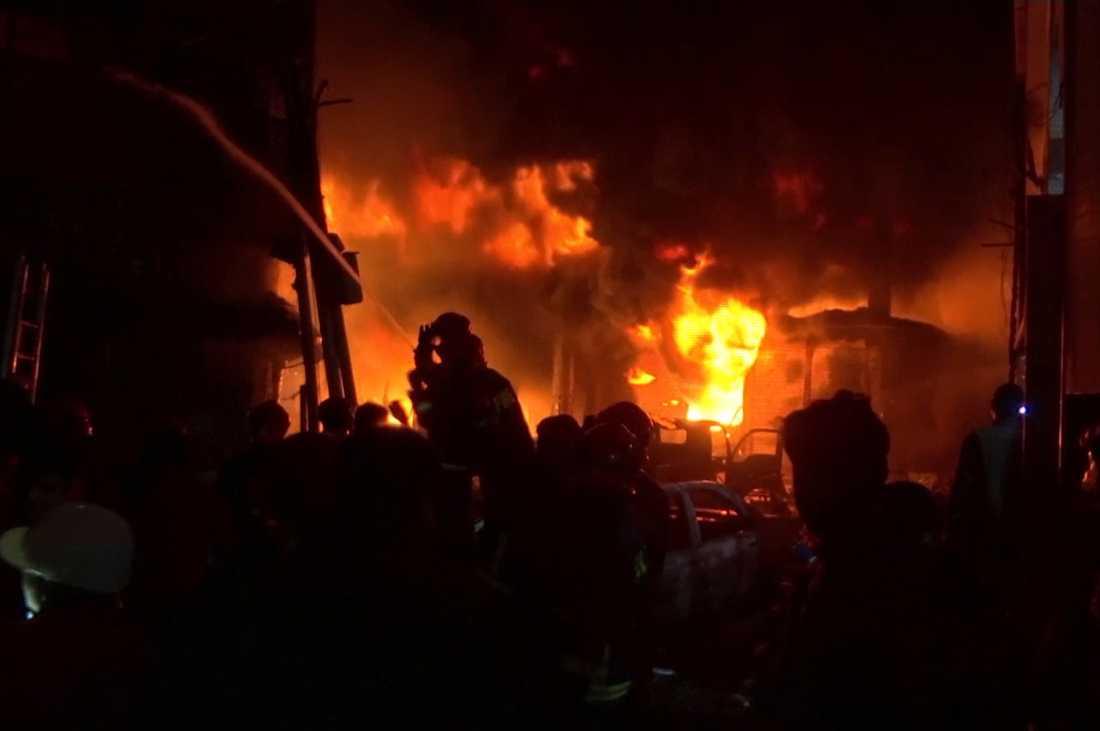 Branden bröt ut i en tätbefolkad del av Dhaka.