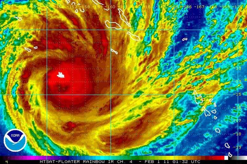 Monstercyklon En satellitbild av monstercyklonen Yasi som kan nå upp till nivå fem på skalan och därmed uppnå en hastighet på 80 kilometer i timmen. Som lägst väntas den nå kategori 4 och då ha en hastighet på cirka 70 meter i sekunden när den når australiensiska Cairns.
