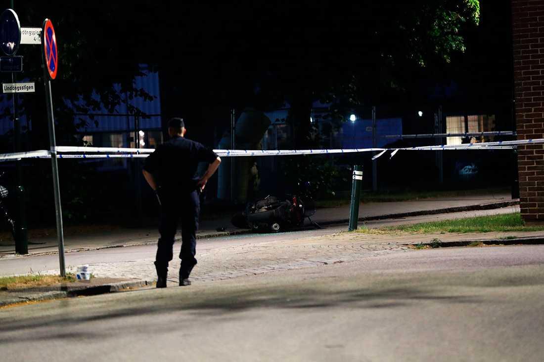 Polisen utreder om det finns något samband mellan skjutningen i natt och de dödliga skjutningar som drabbat Malmö tidigare i veckan.