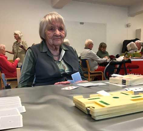 Maj Höglund har spelat Bridge sedan hon var 65.