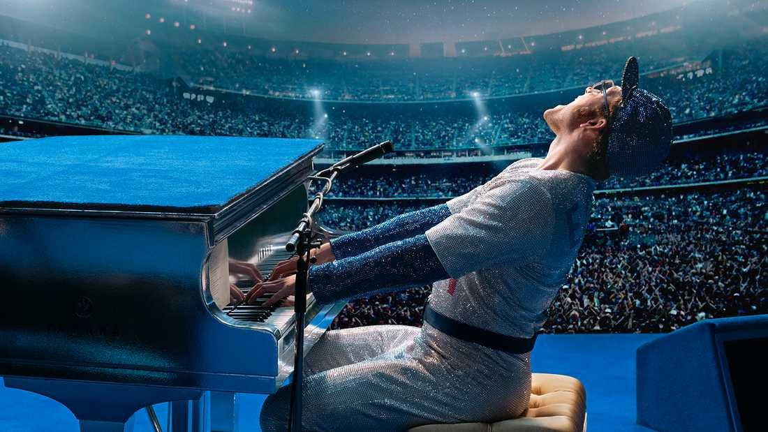 """Taron Egerton som Elton John i """"Rocketman""""."""
