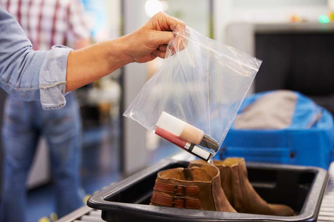 Snart slipper du plocka ut vätskorna – om du flyger till vissa flygplatser.