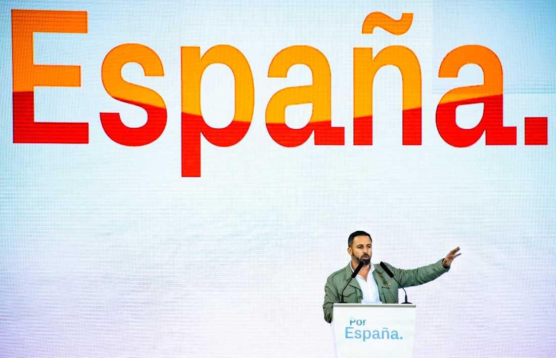 Santiago Abascal leder det högerextrema partiet Vox.