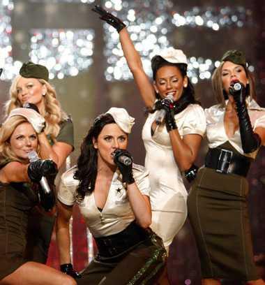 Spice Girls har tagit det här med armémodet ett steg längre...