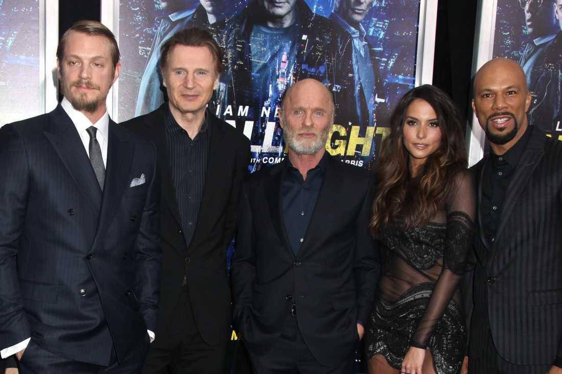 "Kinnaman, Liam Neeson, Ed Harris, Genesis Rodriguez och Common i ""Run all night""."