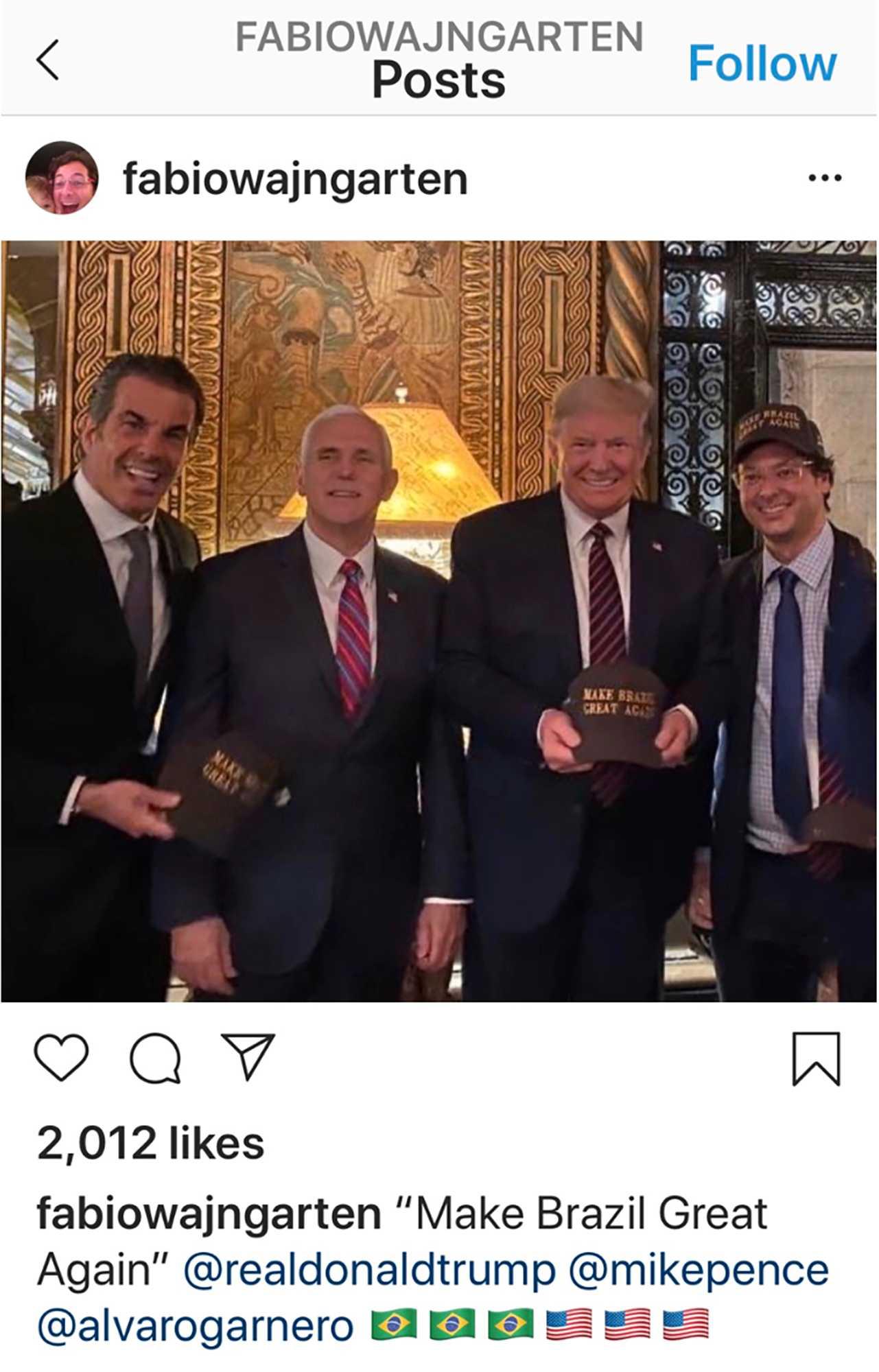 På en bild som Fábio Wajngarten, den brasilianske presidenten Jair Bolsonaros kommunikationschef, lagt upp på Instagram syns han posera till höger om USA:s president Donald Trump. Wajngarten har nu testats positivt för coronaviruset.