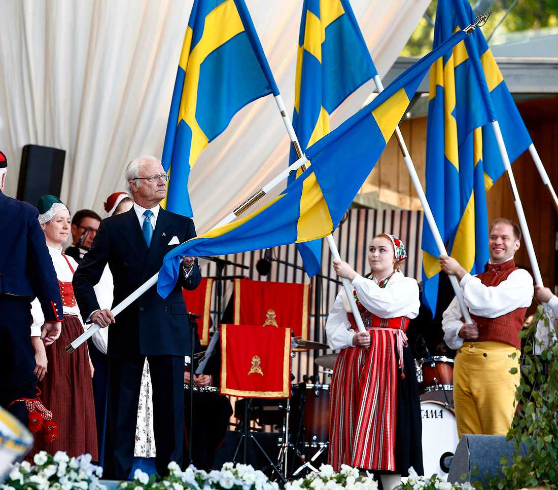 Kungen med flaggan.