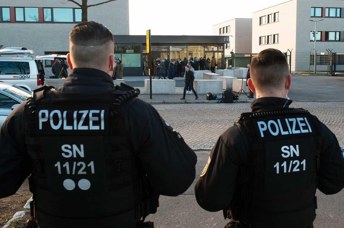 Tysk polis utreder bombhot som framförts mot stadshus i flera städer. Arkivbild.