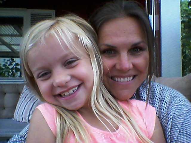 Mia och dottern Ellie.