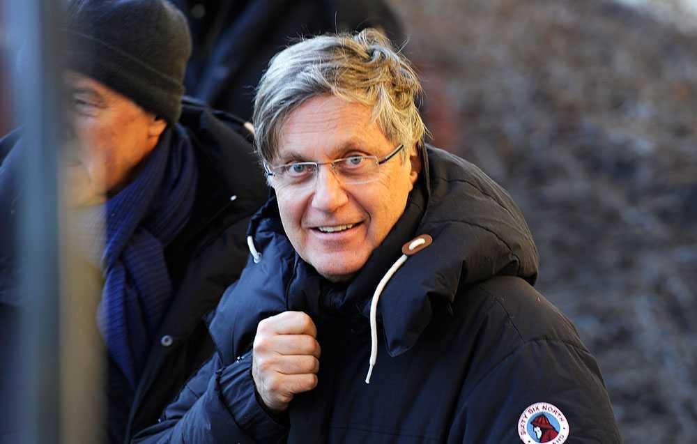 Lasse Hallström är en av männen som Gunilla Persson har kopplats ihop med.
