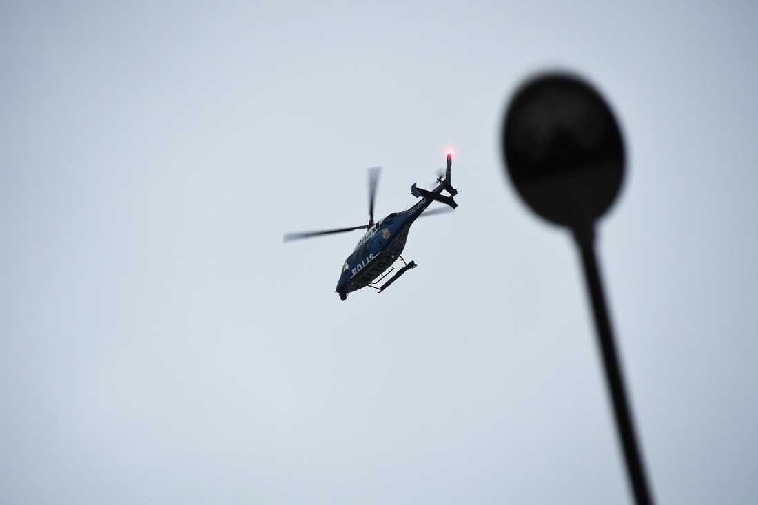 Polisen satte även in helikopter i ärendet.