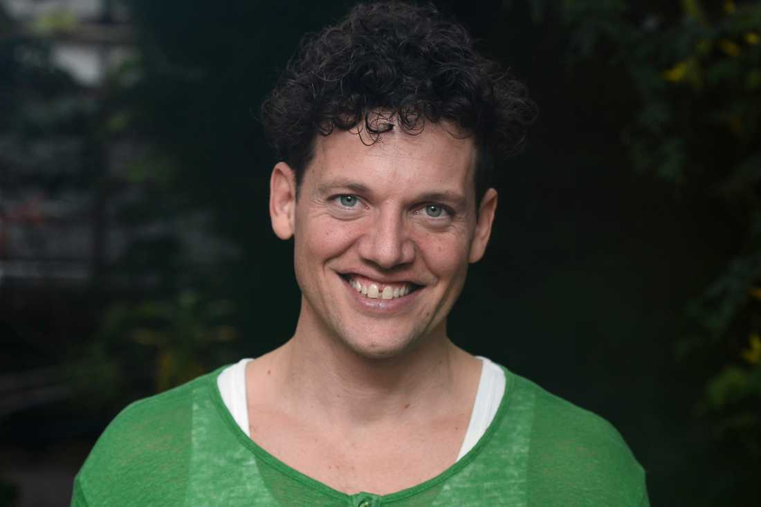 """Nassim Al Fakir får rollen som Banarne när """"Trazan och Banarne"""" blir musikal."""
