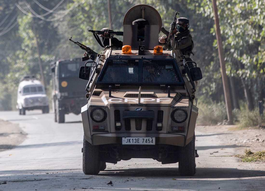 Indisk militär vid den omstridda gränsen mellan Indien och Pakistan i Kashmir.