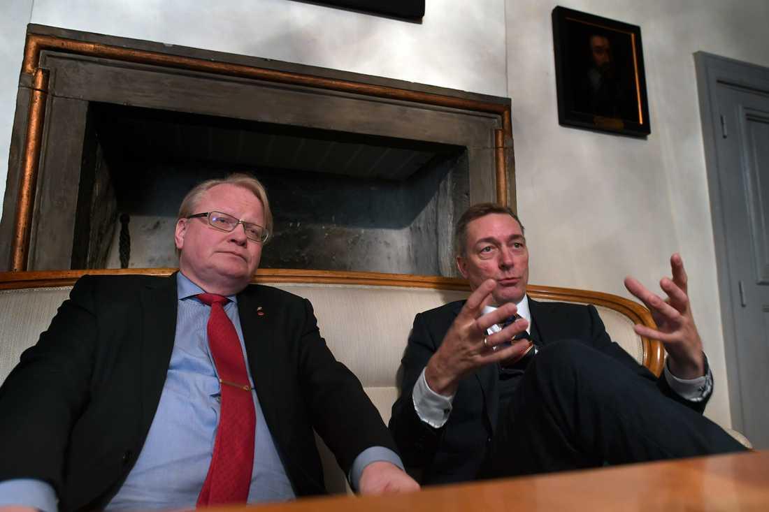 Sveriges och Norges försvarsministrar, Peter Hultqvist (S) och Frank Bakke-Jensen